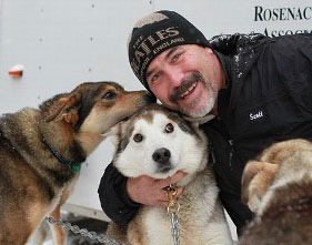 Husky gets life-saving mouth-to-mouth on Iditarod route