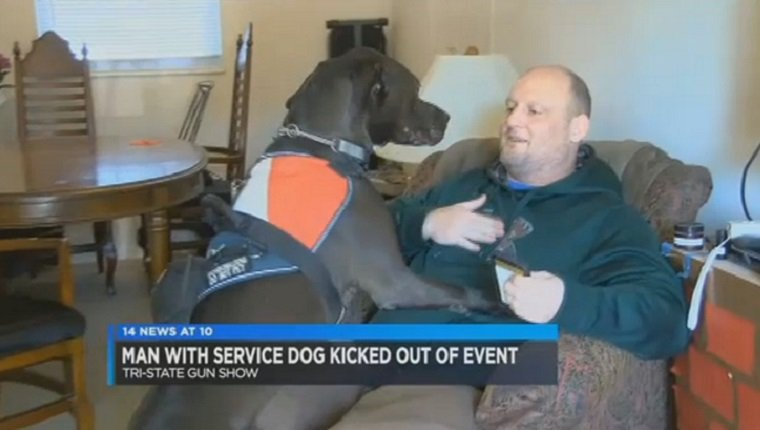 veteran-service-dog-forced-leave-gun-show-2